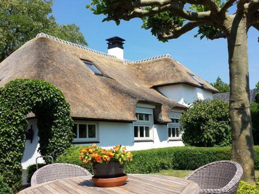 Rieten dak woonboerderij Gelderland